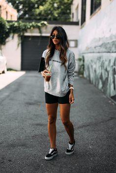 Casual style vans sweater sweatshirt logo club monaco vans old skool sneaker womens style tips fashion Look Fashion, Korean Fashion, Fashion Outfits, Fashion Tips, Fashion Trends, Street Fashion, Fashion Clothes, 80s Fashion, Vintage Fashion
