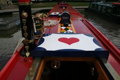 Mel Davis Boatbuilders - Picture Gallery Popup. Canal Boat Art, Narrow Boat, Signwriting, Popup, Castles, Boats, Quilt, Cottage, Exterior