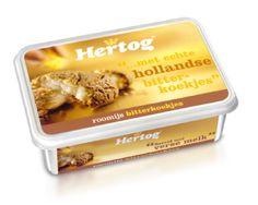 In 2005 lanceerden we Hertog Roomijs Bitterkoekjes. Een heerlijke variant met echte stukjes bitterkoekjes bovenop.