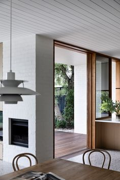 Brighton House by Rob Kennon Architects - Project Feature - Melbourne, Australia - The Local Project Home Interior, Interior And Exterior, Interior Decorating, Interior Design, Interior Plants, Brighton Houses, Australian Homes, Global Design, Villa