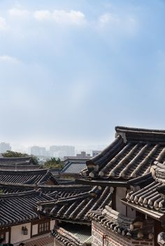 Stuckinseoul — Seoul: Bukchon Flickr   Instagram   Getty Images