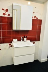 Mobile consolle da bagno colore oro con lavabo e specchio doppia ...