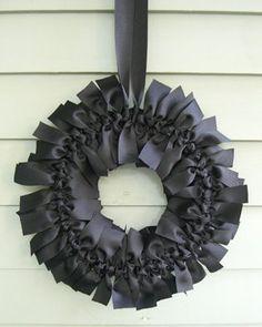 Tie wreath.