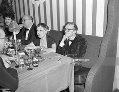 5181956the-el-morocco-club-new-york-city-authors-anita-loos-and-picture-id514891274 (1024×795)