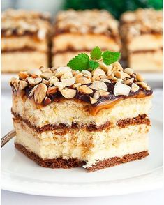 Ciasto łabędzi puch - I Love Bake Delicious Desserts, Yummy Food, Looks Yummy, Food Cakes, Homemade Cakes, Food Lists, Cake Recipes, Food And Drink, Cooking Recipes