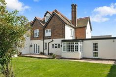 http://www.robertsonsestateagents.co.uk/property-details/3831399/buckinghamshire/lane-end/high-street A four bedroom family home with a lobby, breakfast room and an entrance hall. Robertsons Estate Agents  Penn Barn  By the Pond  Penn  Buckinghamshire  HP10 8LB  Telephone: 01494 812623 Mobile : 07932 006555 Email:: simon@robertsonsestateagents.co.uk