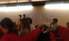 Marco Serra di Open Hub inizia il lavoro di visual storytelling dell'evento (21/lug/14)