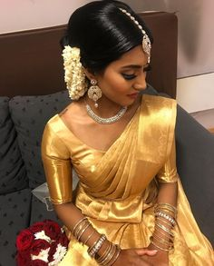 Indian Wedding Wear, Indian Bridal Outfits, Indian Bridal Fashion, Saree Wedding, Tamil Wedding, Kerala Saree Blouse Designs, Bridal Blouse Designs, Bridal Sarees South Indian, South Indian Bride