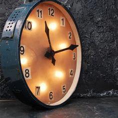 HUGE Station Clock Circa 1960 - The Hoarde