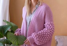 Moosglöckchen Strickjacke The Effective Pictures We Offer You About Diy Wool Crafts A quality pictur Poncho Crochet, Knitted Poncho, Knitted Gloves, Knitting Socks, Free Knitting, Aran Weight Yarn, Diy Mode, Yarn Brands, Cardigan Pattern