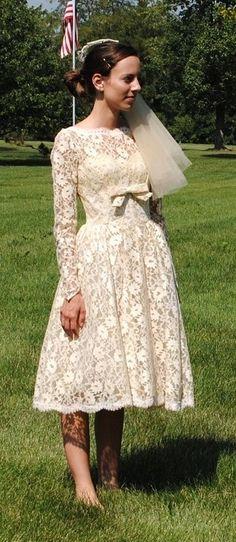 50's Style  :      Picture    Description  50's Lace Gorgeous Wedding Dress    - #50s https://looks.tn/style/50s/50s-style-50s-lace-gorgeous-wedding-dress/