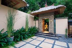 Love the wall colors you picked, saw a lot of cool frets too, maybe having stones like this in that area will be a good accent. Bali Garden, Balinese Garden, Balinese Decor, Asian Garden, Tropical Garden, Tropical Homes, Landscape Design, Garden Design, Home Landscaping