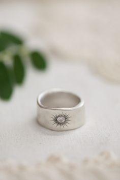 sunburst diamond ring {sterling silver} | Lisa Leonard Designs. Love this ring. Maybe size 6.5.