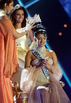 18 Rare and Unseen Photos of Former Miss World Winners From India Miss World 2000, World Winner, Nathalie Emmanuel, Pageant Girls, Miss India, Most Beautiful Women, Gorgeous Girl, Cute Beauty, Indian Celebrities