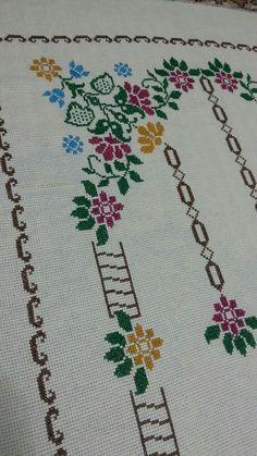 Diy Crafts Hacks, Diy And Crafts, Palestinian Embroidery, Cross Stitch Designs, Cross Stitch Embroidery, Crochet, Quilt Blocks, Cross Stitch Borders, Cross Stitch Rose