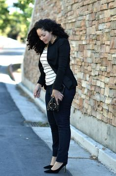 Girl With Curves: Jeans. Love the shoes! Mode Outfits, Casual Outfits, Fashion Outfits, Fashion Ideas, Curvy Girl Outfits, Plus Size Outfits, Curvy Girl Fashion, Work Fashion, Women's Dresses