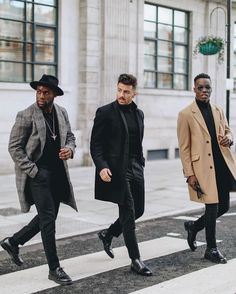 Whose look are you feeling the most Cold weather essentials with the gang! Best Casual Shirts, Most Stylish Men, Best Shopping Sites, Modern Gentleman, Street Style, Men Street, Mens Suits, Black Men, Winter Jackets