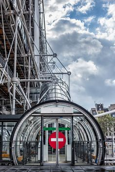 Centre Pompidou by Richard Rogers and Renzo Piano / Paris, France, 1972 to 1976.
