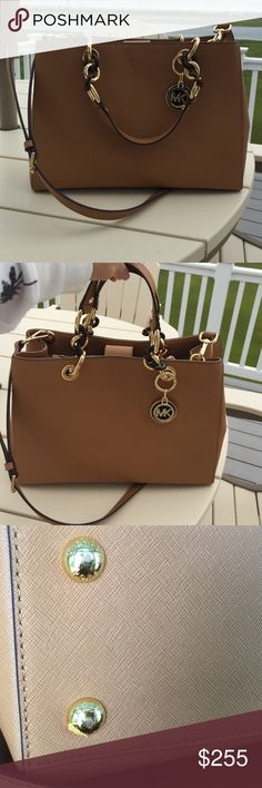☀️ Michael KORS Cynthia Medium Satchel .This timeless satchel is in excellent condition with some scraping on the bottom as shown in the picture. Michael Kors Bags Satchels