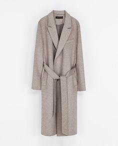 Kåpe ull jakke coat beige brun inspirasjon, mote, nettshopping. Mer på http://www.stylista.no