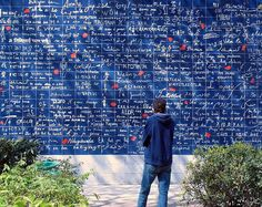 Paris' linguistic guide to the international language of, yes, love