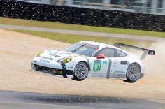 Flying Porsche. Le Mans.
