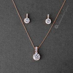 Prom Necklaces, Prom Jewelry, Jewelry Sets, Wedding Jewelry, Beaded Bracelets, Gold Jewelry Simple, Rose Gold Jewelry, Diamond Necklace Set, Diamond Pendant
