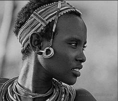 enversdudecor:  a—fri—ca:  Rendille woman, Kenya - Photo...