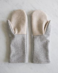 Simple Felted Wool Mittens in Lana Cotta Canberra -- free pattern on The Purl Bee Sewing Patterns Free, Free Sewing, Knitting Patterns, Hat Patterns, Stitch Patterns, Free Pattern, Purl Bee, Knitting Projects, Sewing Projects