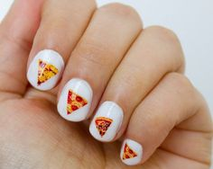 Decals to throw a pizza party on your nails.