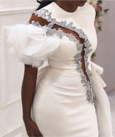 Second dress for the reception party. Latest African Fashion Dresses, African Dresses For Women, Dinner Gowns, Lace Dress Styles, Frack, Classy Dress, Couture Dresses, Elegant Dresses, Evening Dresses