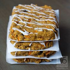 A healthy carrot cake bar that is perfect for on-the-go. Moist, flavorful and good for you. Vegan, gluten-free, oil-free.