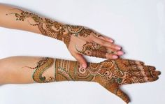 Indian Bridal Henna Designs for Hands with Pictures. Wedding season is upon us in the near future up in the annex to the fact that a wedding. Bridal Mehndi Designs, Mehndi Design 2015, Beautiful Mehndi Design, Arabic Henna, Henna Mehndi, Mehendi, Hand Pictures, Green Glitter, Indian Bridal