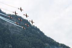 """Präzise wie ein """"Schweizer Uhrwerk!"""" ;-) (PC-7 Team) Mount Everest, Mountains, Nature, Travel, Swiss Guard, Naturaleza, Viajes, Destinations, Traveling"""