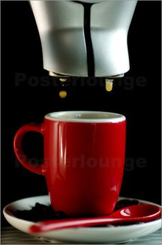 Tanja Riedel - Frischer Kaffee in der Kaffeebar Genießen