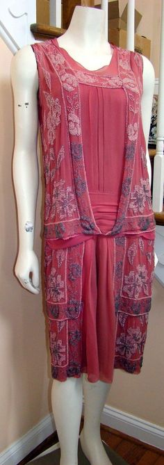 We know that you have many choices and sincerely appreciate your decision to stop and check us out. Faint fading of the bodice area (hidden by beaded overlay). 30s Fashion, Art Deco Fashion, Fashion History, Vintage Fashion, Fashion Design, Beaded Flapper Dress, 1920s Dress, Vintage Gowns, Mode Vintage