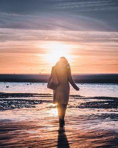 Hors série 2017 - Le Touquet - a moins de 2h de #lille ... #lillemaville #igerslille #igersfrance #letouquetparisplage #beach #sunset #piclille #landscape #landscapephotography #woman #lilloise #silhouette #sun #sand #lesphotographes #nikonfr #d750 #shadow #contrejour