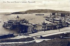 Plymouth Hoe and Drake's Island 1913 Plymouth Hoe, Plymouth England, Devon Uk, Devon England, Paris Skyline, Britain, United Kingdom, Island, Black And White