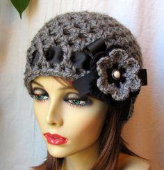 VENDITA uncinetto cappello, cappello Womens grigio carbone di legna, berretto, maglia fiore, grosso, caldo. Ragazzi, inverno, cappello da sci, regali di compleanno per sua JE407BRF