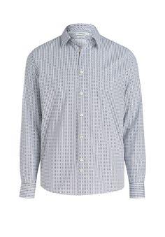 Das Slim Fit-Hemd ist ein modischer Allrounder, der im Büro genauso gut funktioniert wie in der Freizeit. Die Qualität aus reiner Baumwolle schmiegt sich komfortabel an deine Haut an und sorgt auch an langen Tagen für ein angenehmes Trageerlebnis.