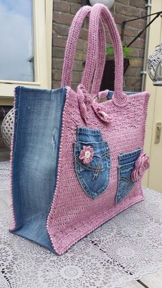 Crochet jeans bag – # Crochet – # Crochet – The Best Ideas Bag Crochet, Crochet Shell Stitch, Crochet Handbags, Crochet Purses, Chunky Crochet, Jean Purses, Purses And Bags, Sewing Jeans, Patterned Jeans