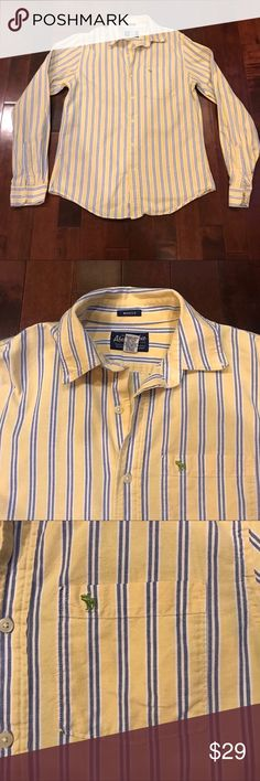 Abercrombie & Fitch Muscle Fit Striped Button Down Great condition!  Muscle fit.  Oxford like Shirt.  Cotton. Abercrombie & Fitch Shirts Casual Button Down Shirts