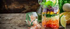 Fácil e prática, a salada de pote é uma alternativa saudável para dias de correria ou até para facilitar a dieta