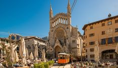 Attractive rural town in the west of Mallorca Orange Grove, Balearic Islands, Real Madrid, Barcelona Cathedral, Places To Visit, Street, Building, Image, Constitution