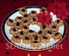 Špaldové kytičky s brusinkou dia Sweet Recipes, Waffles, Cookies, Baking, Breakfast, Diabetes, Christmas, Crack Crackers, Morning Coffee