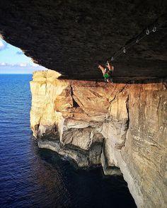 Matt Segal (@mattsegal) taking in the view while climbing a 5.13+ roof crack in Malta. Photo: Mason Earle (@mason_earle) #lasportivana #lasportiva #climbing