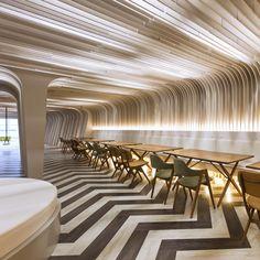 Colorful & Interactive Multi-Level Lounge Design at Bangkok University Lounge Design, Design Hotel, Studio Design, Home Design, Design Design, Modern Design, Home Interior, Interior Architecture, Interior And Exterior