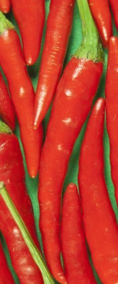 Health benefits of cayenne pepper, cayene pepper diet, juicing for health. Health Benefits Of Tumeric, Juicing Benefits, Juicing For Health, Health And Nutrition, Pepper Benefits, Healthy Juice Recipes, Health Heal, All Vegetables, Health Breakfast