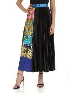Versace Jeans Couture Multicolor Print Pleated Skirt In Black Black Midi Skirt, Pleated Midi Skirt, Versace Jeans Couture, Couture Fashion, World Of Fashion, Your Style, Clothes For Women, Skirts, Model