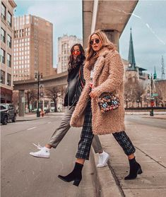 Teddy Bear Coat, checked trousers Boho Outfits, Winter Outfits, Fashion Outfits, Teddy Bear Coat, Checked Trousers, Plaid Pants, Dress To Impress, Winter Fashion, Winter Jackets